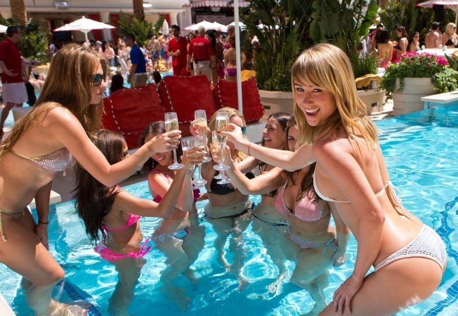 Bazénová párty